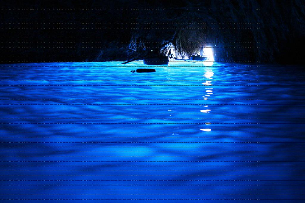File:Blue Grotto, Capri, IT.jpg - Wikimedia Commons