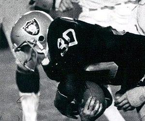 Mark van Eeghen - Eeghen playing for the Raiders in 1979