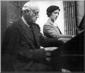 Joseph-Ermend Bonnal - Bonnal at the organ of St-Andre in Bayonne (1933)