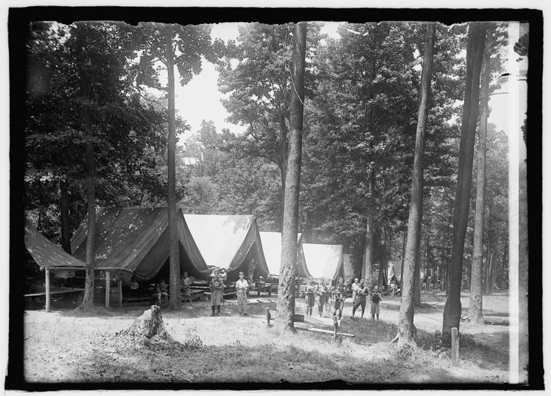 File:Boys Scouts, Camp Roosevelt, (7-9-25) LCCN2016850510.tif