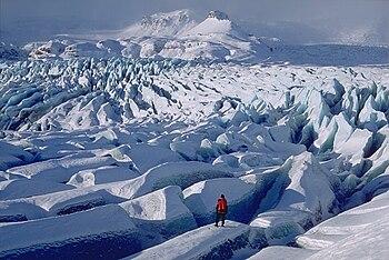 Παγετώνας |Ισλανδίας με επιμήκεις ρηγματώσεις