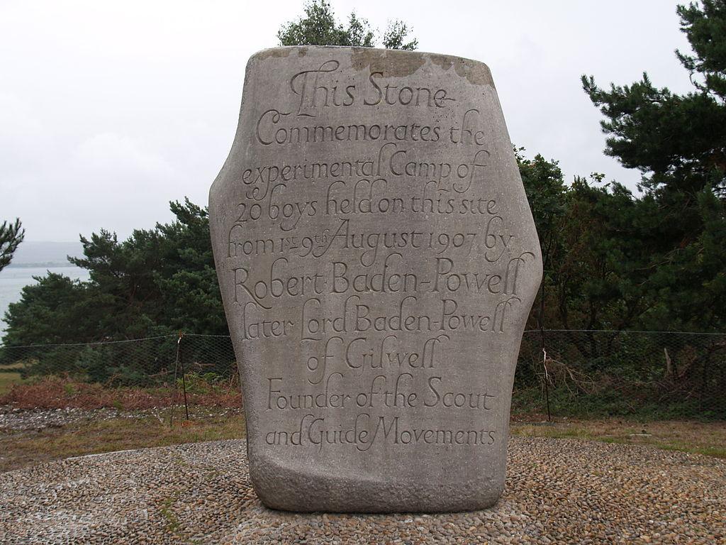 File brownsea island stone scout camp 3 jpg wikimedia for Camp stone