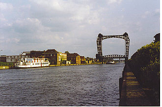 Brussels–Scheldt Maritime Canal - The canal at Willebroek bridge