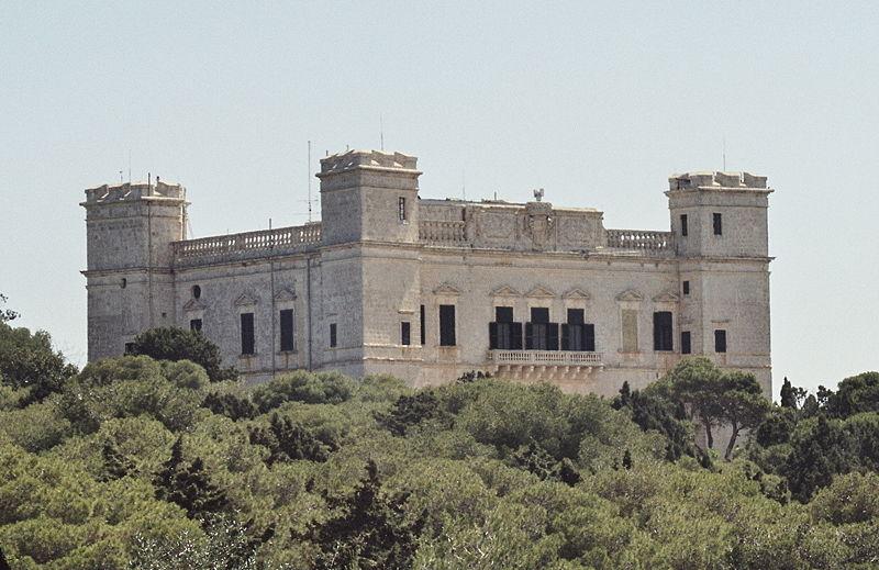 File:Building Malta.jpg