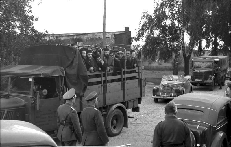 Bundesarchiv Bild 101I-380-0069-33, Polen, Verhaftung von Juden, Transport