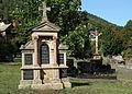 Busenberg-Grabdenkmal Koehler-Andelfinger-06-Friedhofskreuz-gje.jpg