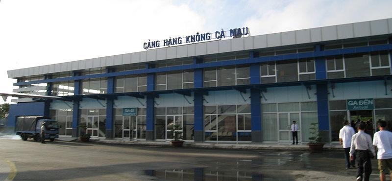 http://upload.wikimedia.org/wikipedia/commons/thumb/d/d7/Camau_Airport1.JPG/800px-Camau_Airport1.JPG