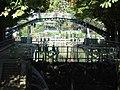 Canal St Martin, Paris (21354555483).jpg