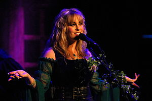 English: Candice Night performing in 2009 with...