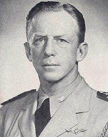 Capitán John Geraerdt Crommelin, Marina de los Estados Unidos, alrededor de 1947.jpg