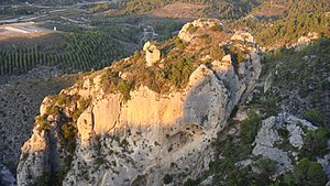 Castell de Margarida (bluff, wall detail).jpg