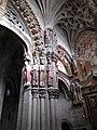 Catedral de Orense - Detalle puerta de los apóstoles.jpg