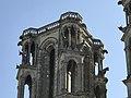 Cathédrale de Laon le haut d'une tour.jpg