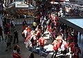 Champions League FC Bayern München gegen FC Chelsea Fans treffen am Hauptbahnhof Muenchen ein.jpeg