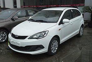 Chery Fulwin 2 hatch facelift China 2015-04-06.jpg