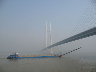 Jianli County - Jingyue Yangtze River Bridge connects Jianli County to Yueyang in Hunan province