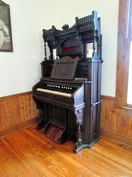 File:Church Pump Organ, Beckley Exhibition Coal Mine.jpg