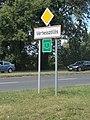 City limit sign, 2017 Vértesszőlős.jpg