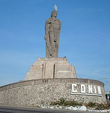 Photo of the statue of Conín.