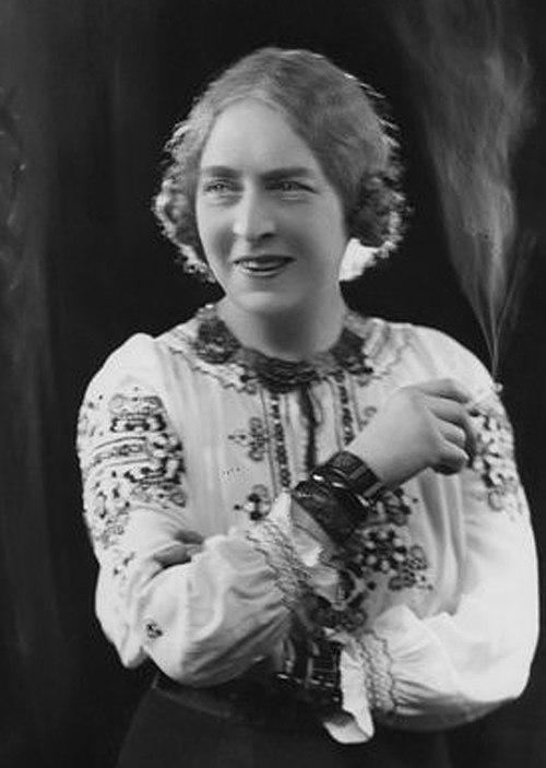 Dame laura knight circa 1910