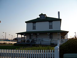 De Witt Cottage - VA Beach. (1434102875).jpg