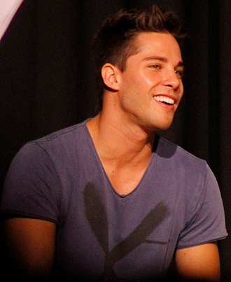 Dean Geyer - Dean Geyer at an event organised by Young Storytellers Foundation at a school in Culver City, 21 October 2012