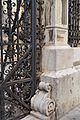 Detall de la tanca posterior del col·legi del Patriarca de València.JPG