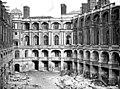 Domaine national, château - Cour intérieure, vue vers l'est - Saint-Germain-en-Laye - Médiathèque de l'architecture et du patrimoine - APMH00010969.jpg