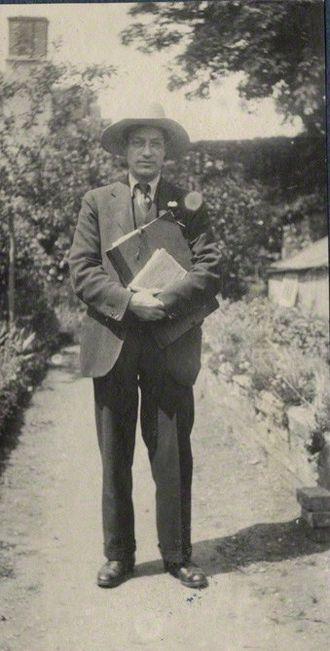 Duncan Grant - Lady Ottoline Morrell (1873-1938), vintage snapshot print/NPG Ax141304. Duncan Grant, 1922