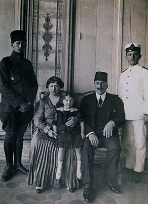 Mehisti Hanım - Mehisti Hanım, with her husband Abdulmejid II, and daughter Dürrüşehvar Sultan