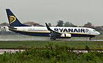 EI-DWE 737 Ryanair OPO.jpg