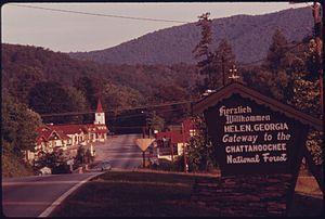Helen, Georgia - Image: ENTRANCE TO HELEN, GEORGIA, NEAR ROBERTSTOWN. MAIN STREET SHOPS LINE HIGHWAY 17 75. THE TOWN WAS A TYPICAL GEORGIA... NARA 557652