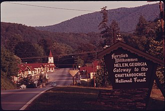 Helen, Georgia - Image: ENTRANCE TO HELEN, GEORGIA, NEAR ROBERTSTOWN. MAIN STREET SHOPS LINE HIGHWAY 17 75. THE TOWN WAS A TYPICAL GEORGIA... NARA 557652