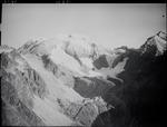 ETH-BIB-Piz Urlaun, Puntegliasgletscher, Hütte, Urlaun v. S. aus 3300 m-Inlandflüge-LBS MH01-007809.tif