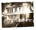 East Piazza of Longfellow House, 1885-1910 (ef07c782-9fbb-4d23-90a2-1b60c751be60).jpg