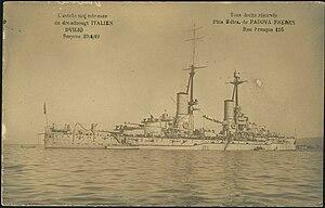 Entrée majestueuse du dreadnought Italien Dvilio - Smyrne 29 4 19.jpg