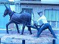 Escultura al agricultor en Navas de Jorquera.jpg