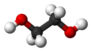 I den här konfigurationen är faktiskt inte glykolmolekylen en dipol.