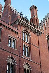 Exterior of St Pancras IMG 1251.JPG