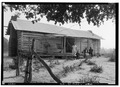 FRONT VIEW OF OLD SLAVE HOUSE - Strawberry Hill Plantation, U.S. Route 43, Forkland, Greene County, AL HABS ALA,32-FORK.V,2-10.tif