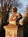 FR 17 Crazannes - Buste de Jean Bron - Gros plan.JPG