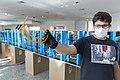 Fabricación de máscaras y barbijos 3D en el Museo Malvinas (49884175136).jpg