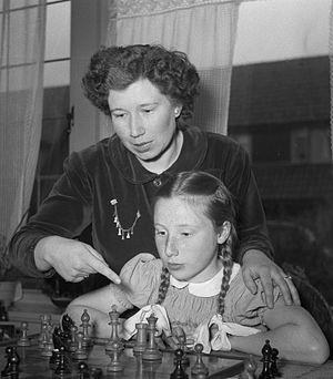 Fenny Heemskerk - Fenny Heemskerk with daughter in 1951