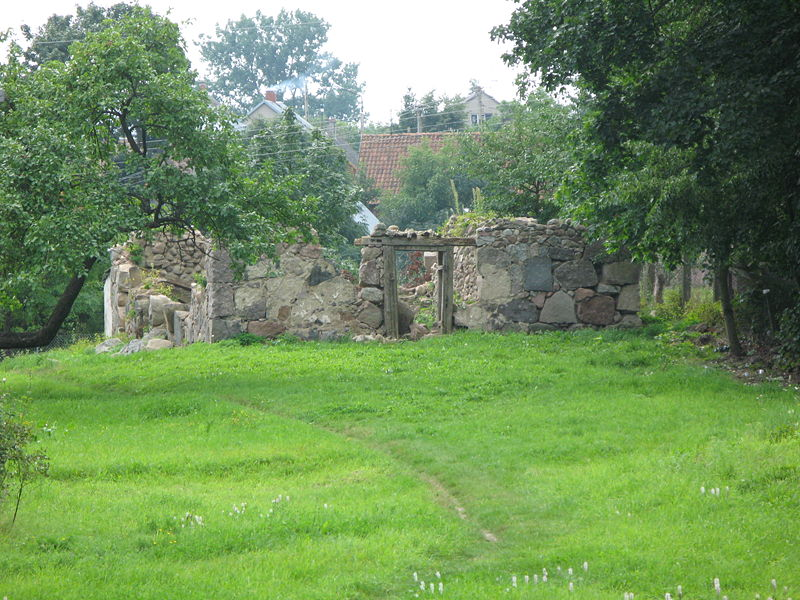 File:Filipow ruins.JPG