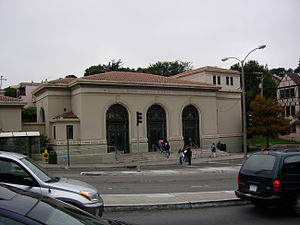 Forest Hill station (San Francisco) - Forest Hill station building