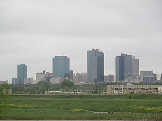 Interstate 35W (Texas) - The Fort Worth skyline from I-35W southbound