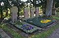 Frankfurt-Zeilsheim, Friedhof, Pfarrergräber.JPG