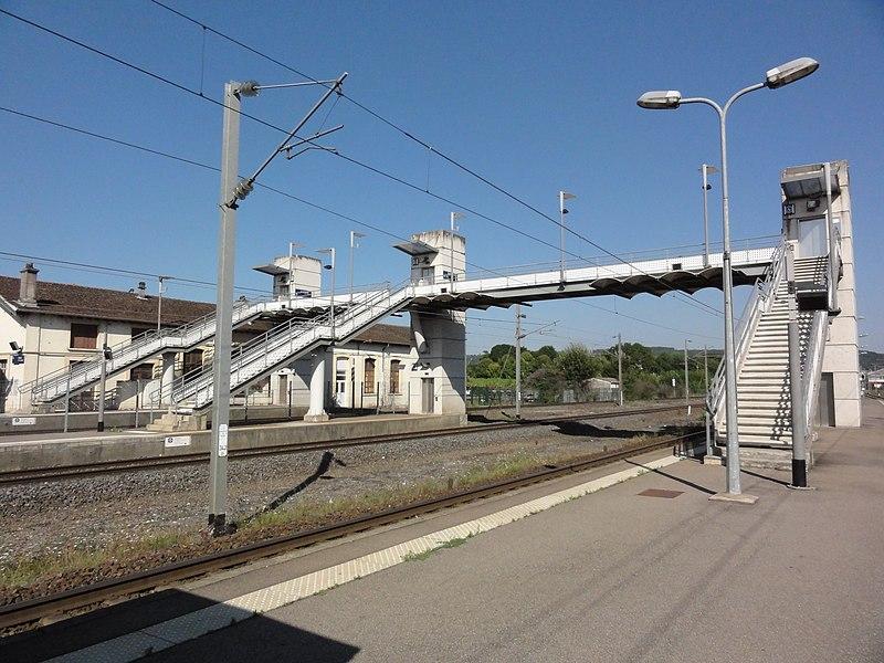 Frouard (Meurthe-et-Moselle) gare, la passelle et les escalateurs