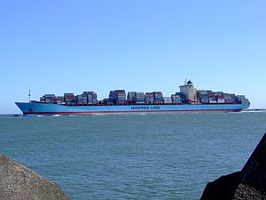 Georg Maersk p03, leaving Port of Rotterdam, Holland 04-Aug-2007.jpg