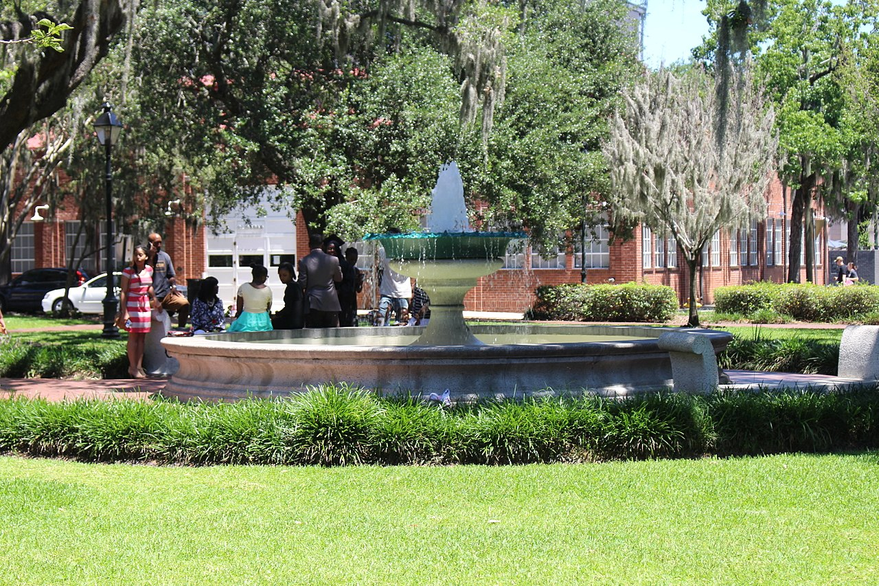 Memorial square ga